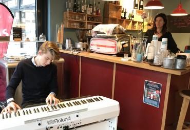 Adventliches Musizieren im Café Chez Wilma